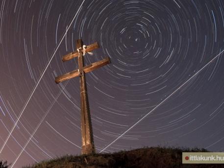 Hat perces expozíciójú felvételekből összeállított csillagfotó (fotó: Fülöp Zita - ittlakunk.hu)