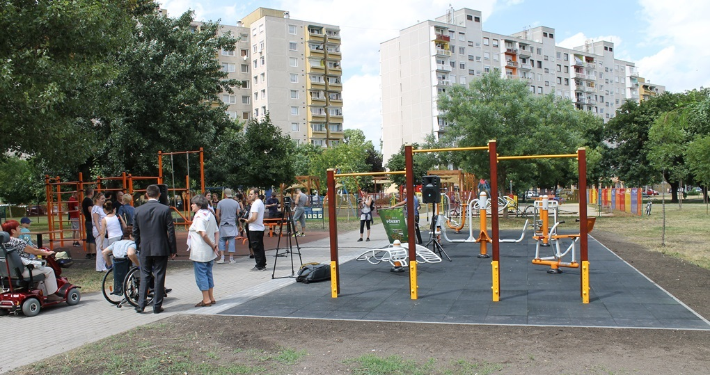 Integrált park a Simon Bolivár sétányon (fotók: ittlakunk.hu)